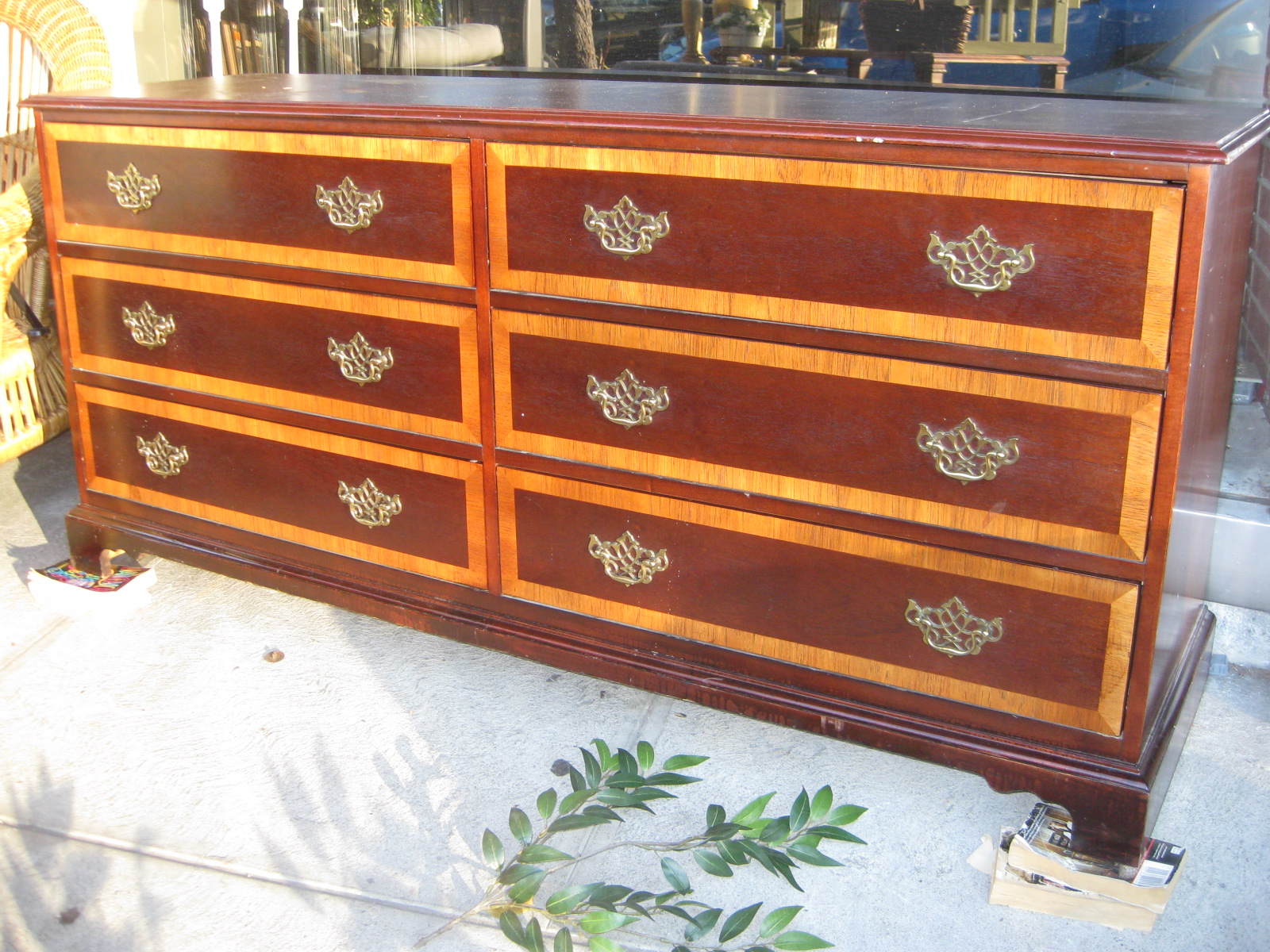 Uhuru Furniture Amp Collectibles Sold Dressers 70 And Night Stands 20 Each