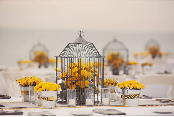 I love love love the look of birdcage as wedding decor