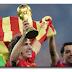 Tidak semua orang spanyol senang karena tim spanyol sepak bola,  jadi juara dunia