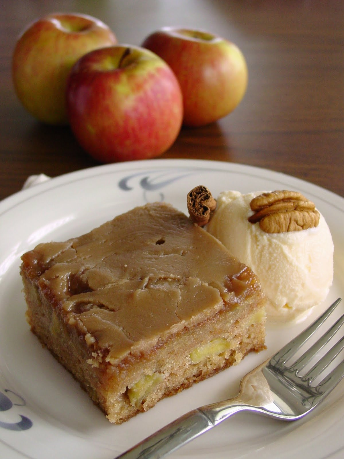 Fresh+Apple+Cake+with+Brown+Sugar+Glaze+065.JPG