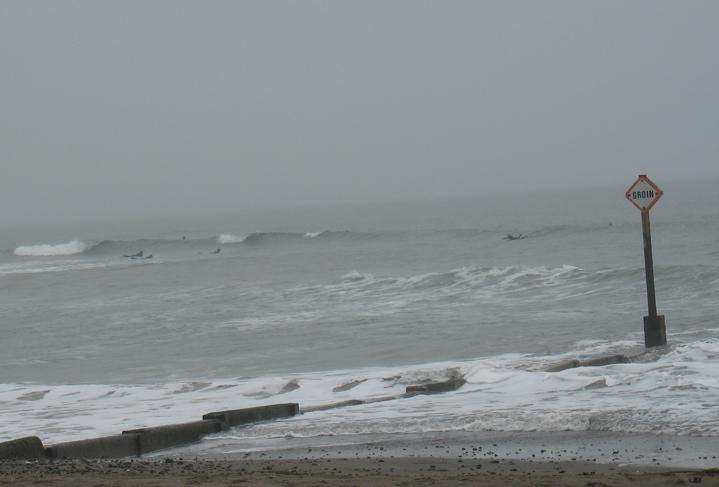 [surfers]