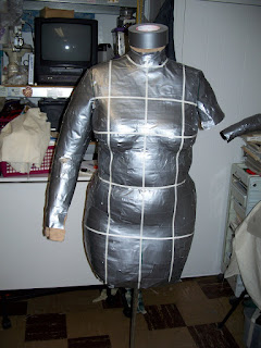 how to make a dress form out of duct tape