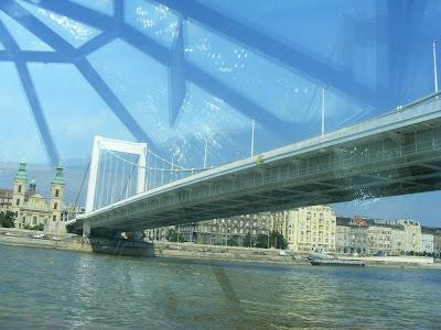 Blogu' lu' Joker:Podul cu lanturi din Budapesta