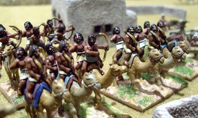 Du WAB en 15mm: Egyptiens contre Assyriens (c'est bien joli aussi à cette échelle) 100_1583