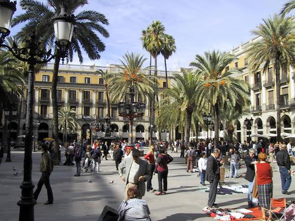 http://4.bp.blogspot.com/_hzmEkMtwSJM/TBTwNhKXE-I/AAAAAAAAAJM/T4GFz0jk5tg/s640/barcelona1.jpg