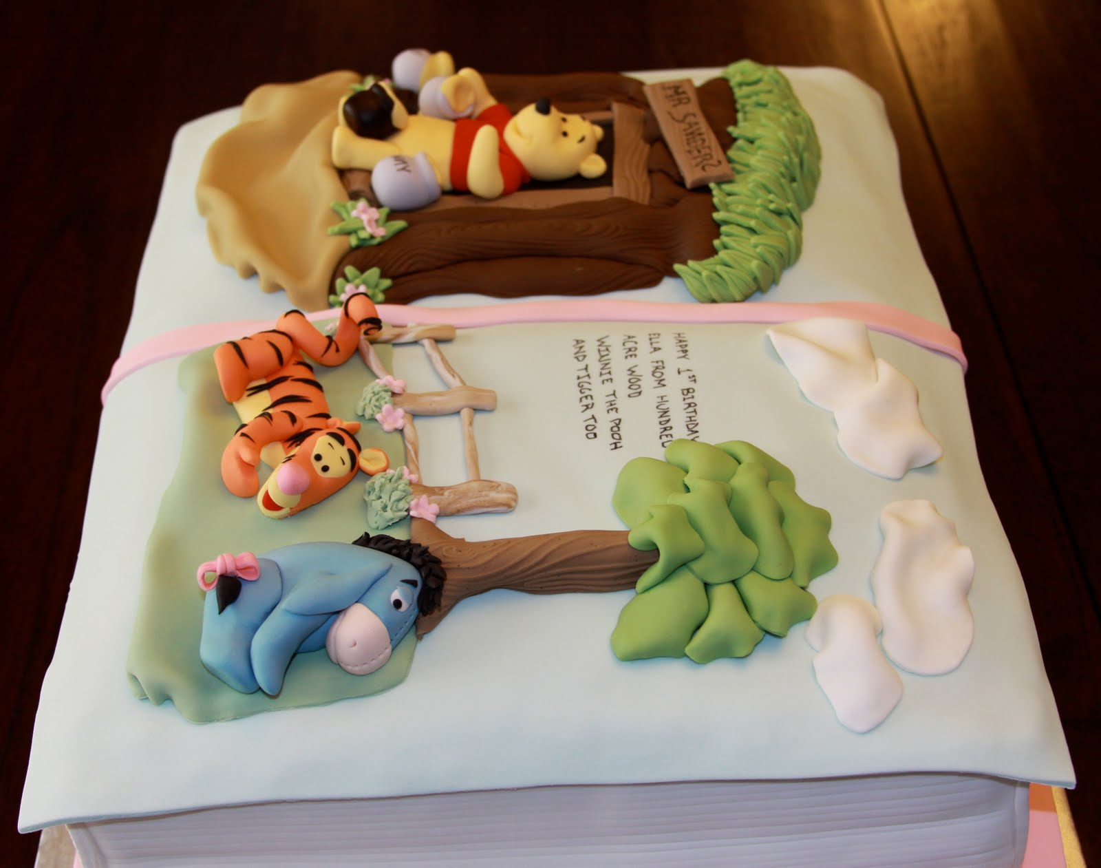 Cake Designs Books Download : .: Winnie The Pooh 3D Book Cake