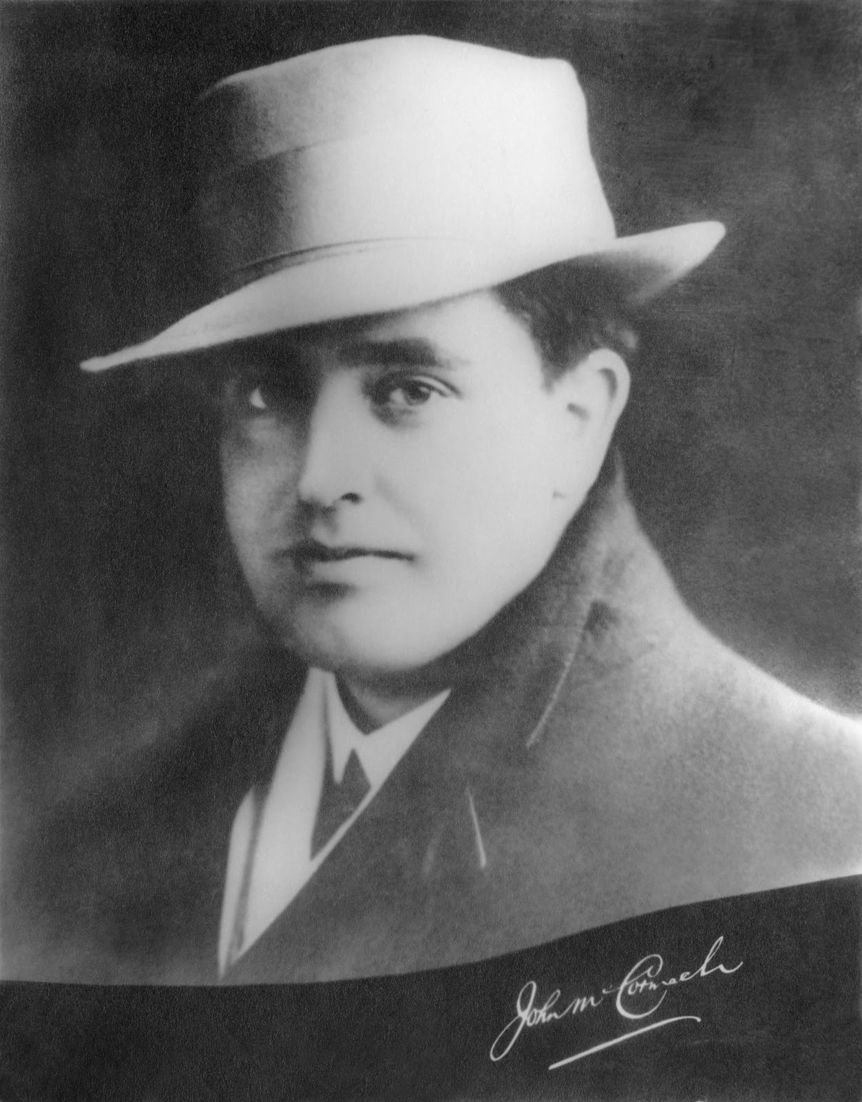 irish boston history heritage irish tenor john mccormack makes irish tenor john mccormack makes his debut at boston symphony hall 100 years ago