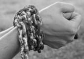 Cristo rompe las cadenas