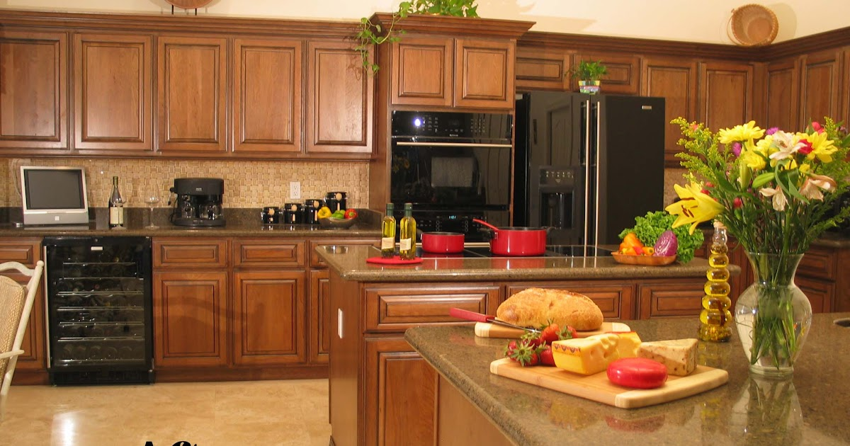 Do it yourself kitchen cabinet refacing home decorating for Do it yourself kitchen cabinets