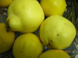 Pour yom kippour en confiture ou enveloppées de clous de girofle moulus