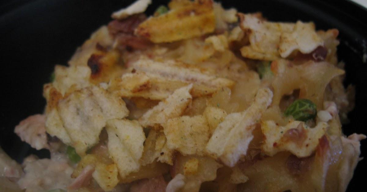 Creamy+Tuna+Noodle+Casserole.JPG