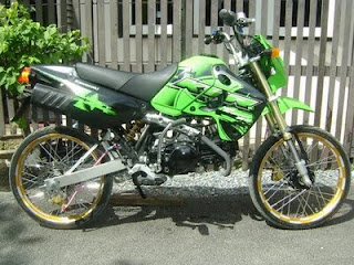 Kawasaki KSR Green Street Racing
