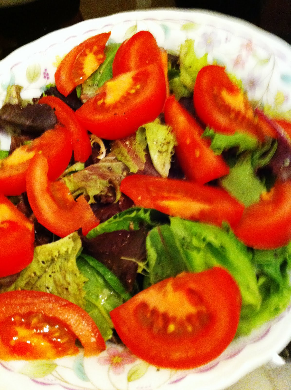 Vine-ripened tomatoes with mixed greens and a ginger-lime salad ...