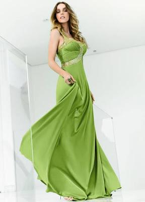 http://4.bp.blogspot.com/_i5vKeecTRNA/Sy-TPt6ojdI/AAAAAAAABMA/47TuUZDL1eQ/s640/vestido%2Blongo2.jpg