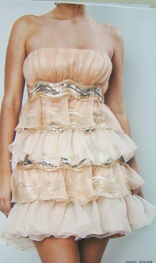 vestido com babado