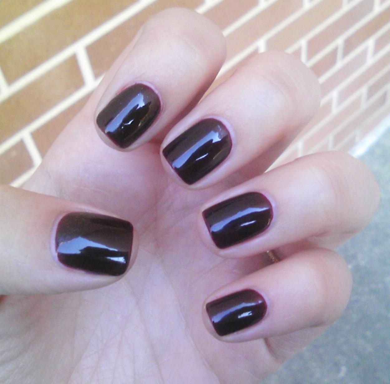 Polish or Perish: Vamp Jelly - Essie Material Girl