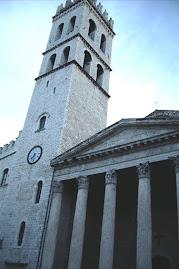 Chiesa della Minerva Assisi -piazza del Comune