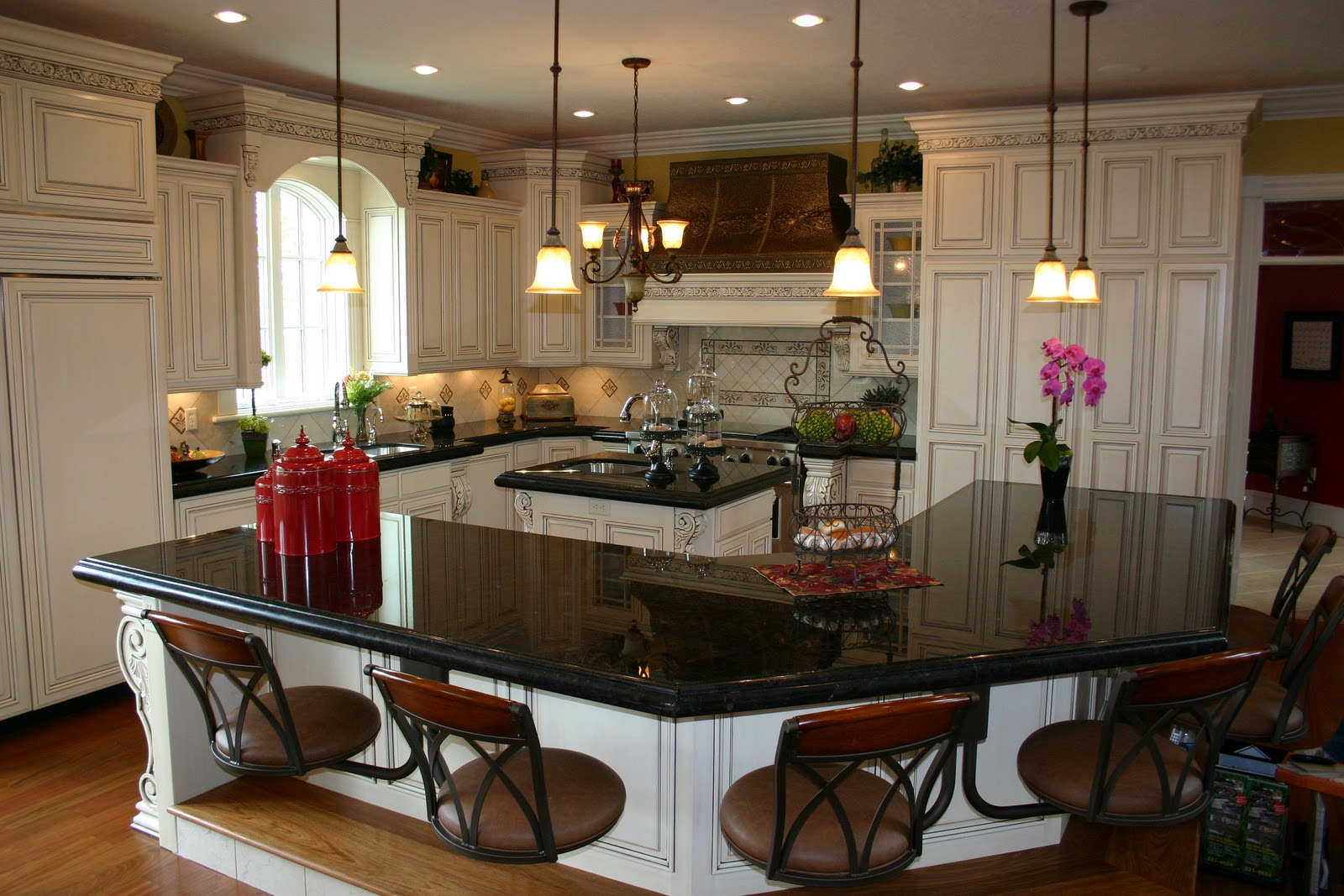 The granite gurus absolute black granite kitchen - Black granite countertops with cream cabinets ...