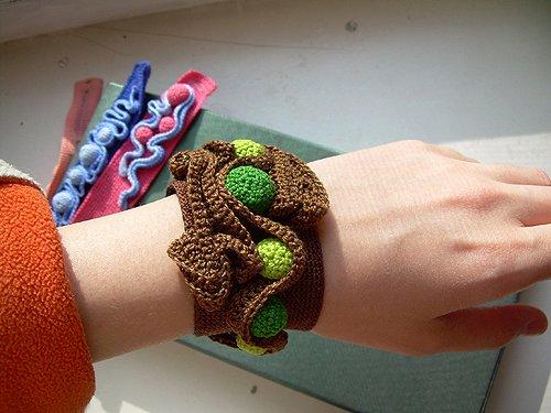 Браслеты из вязанной нитки своими руками