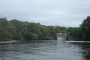 Casa na margem do Rio Preto de Itanhaem, é Ideal para quem gosta de Pescar .