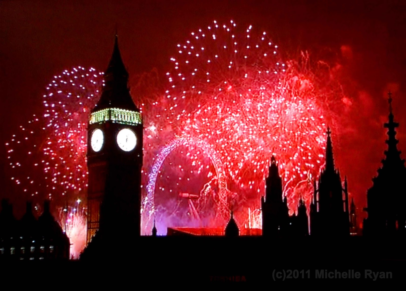 http://4.bp.blogspot.com/_iCD1aRrPbEA/TSCKXUF8NII/AAAAAAAABlY/A_aSkADgQ8Q/s1600/new+year+2011a.jpg