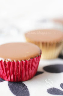 dailydelicious thai: Peanut Butter Bombs: Little cups of happiness!