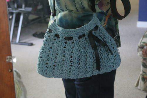 no me gustan mucho los bolsos realizados a crochet no se tengo la