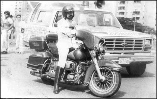"""Rugirán los motores de la moto roja recordando los 80s época del reportero motorizado """"Luis A. Paya"""