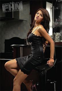gambar Seksi Hot Farah quinn FHM celebrity style pic