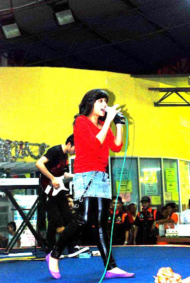 Lady Rocker dari Indonesia, Chikta Fawzi & The Diary Band