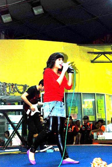 Lady Rocker dari Indonesia, Chikta Fawzi & The Diary Band