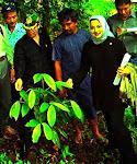Ibuku Marissa Haque Doktor Lingkungan Hidup & Hukum