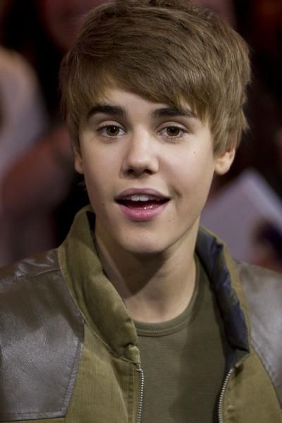 justin bieber pictures new hair. justin bieber new hair 2011.
