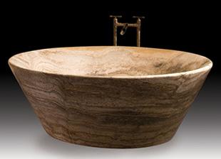 Fare il bagno nella roccia vasche da bagno in pietra casa servizi - Vasche da bagno in pietra ...