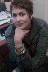 Escritora/ Formação Acadêmica: Bacharel- Letras