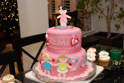 paper doll cake