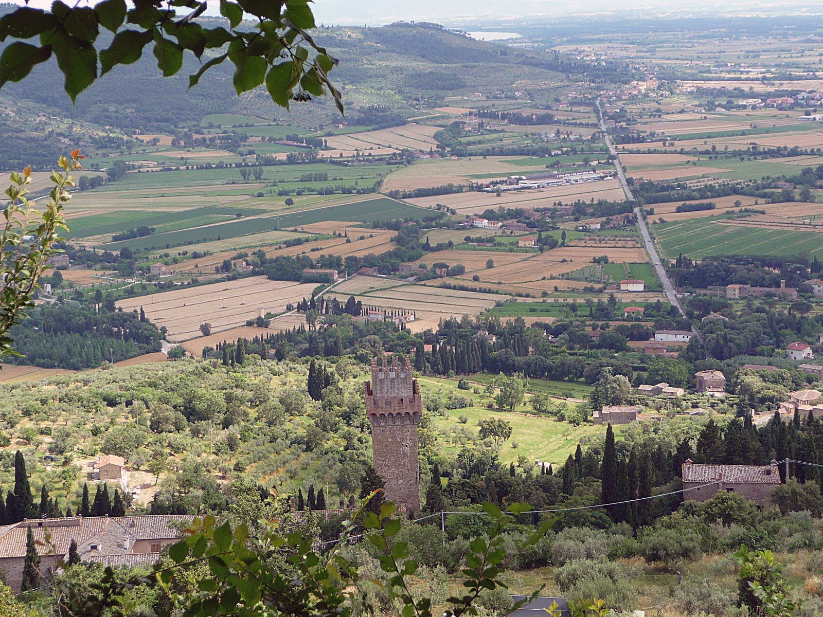 Cortona Italy  City new picture : orable. Cortona is stately situated above the valley below and as we ...