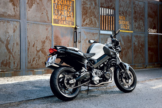 Motorcycles Gallery  2010 BMW F800R Urban Motorcycle
