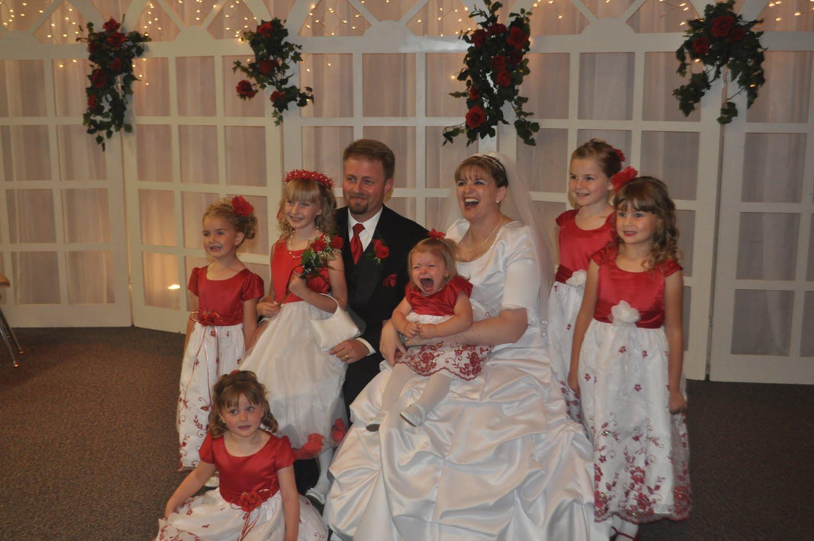 http://4.bp.blogspot.com/_iN8nY_Avlk0/TBalxCsDKLI/AAAAAAAAAPw/jYUB-nB5gXA/s1600/wedding+102.jpg
