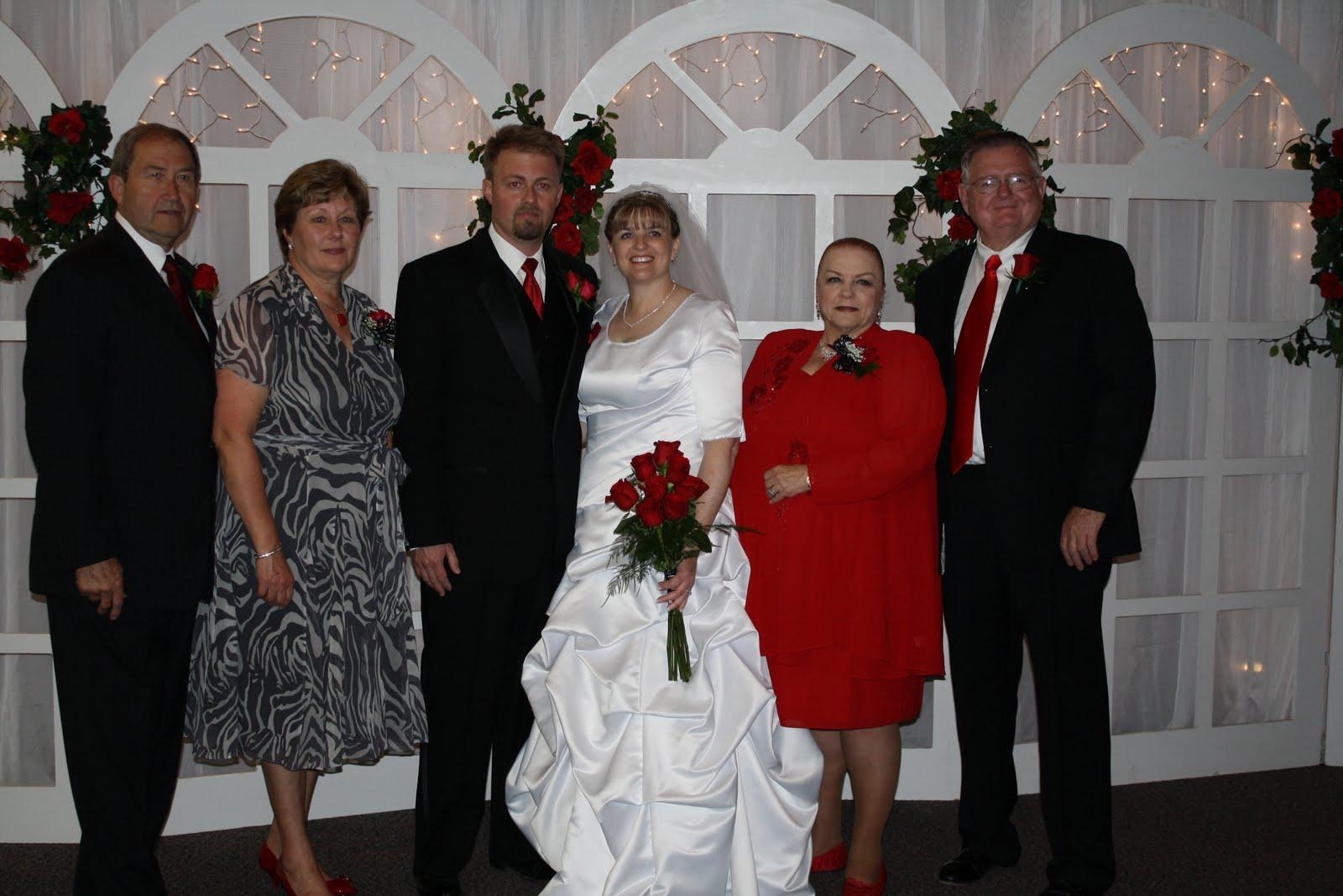 http://4.bp.blogspot.com/_iN8nY_Avlk0/TBaoTnWdKfI/AAAAAAAAAQQ/06Nrt-nJTcs/s1600/wedding+335.jpg