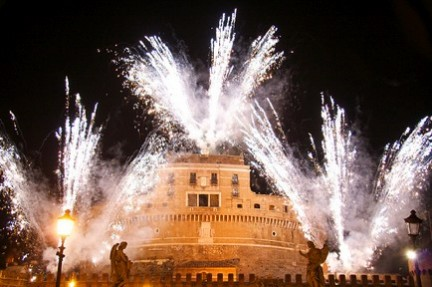 http://4.bp.blogspot.com/_iPEW2ULFFxQ/TNFJZJvvaII/AAAAAAAAABA/_IkJhdirbQE/s1600/ano+novo+em+italia.jpg