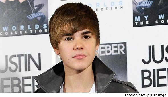 justin bieber 2011 new haircut wallpaper. of justin bieber in 2011