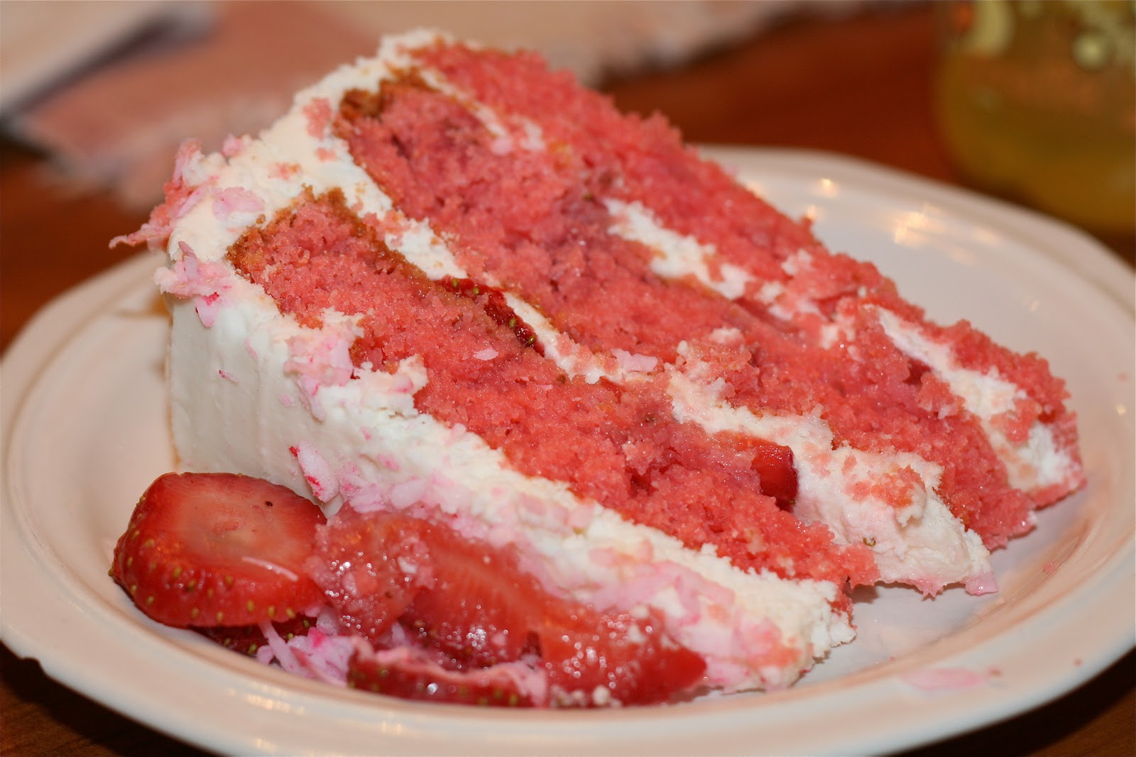 Bake - a - holic: Southern-Style Strawberry Cake