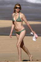 Julia Roberts on beach