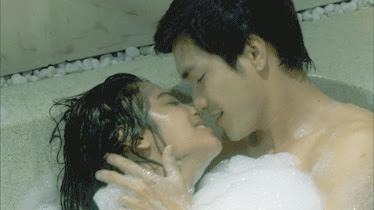 Foto Dewi Persik telanjang di Film Paku Kuntilanak