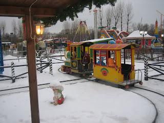 Тихоходный поезд с паровозиком
