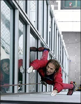 climber+Alain+Robert2 Amazing Wall Climber