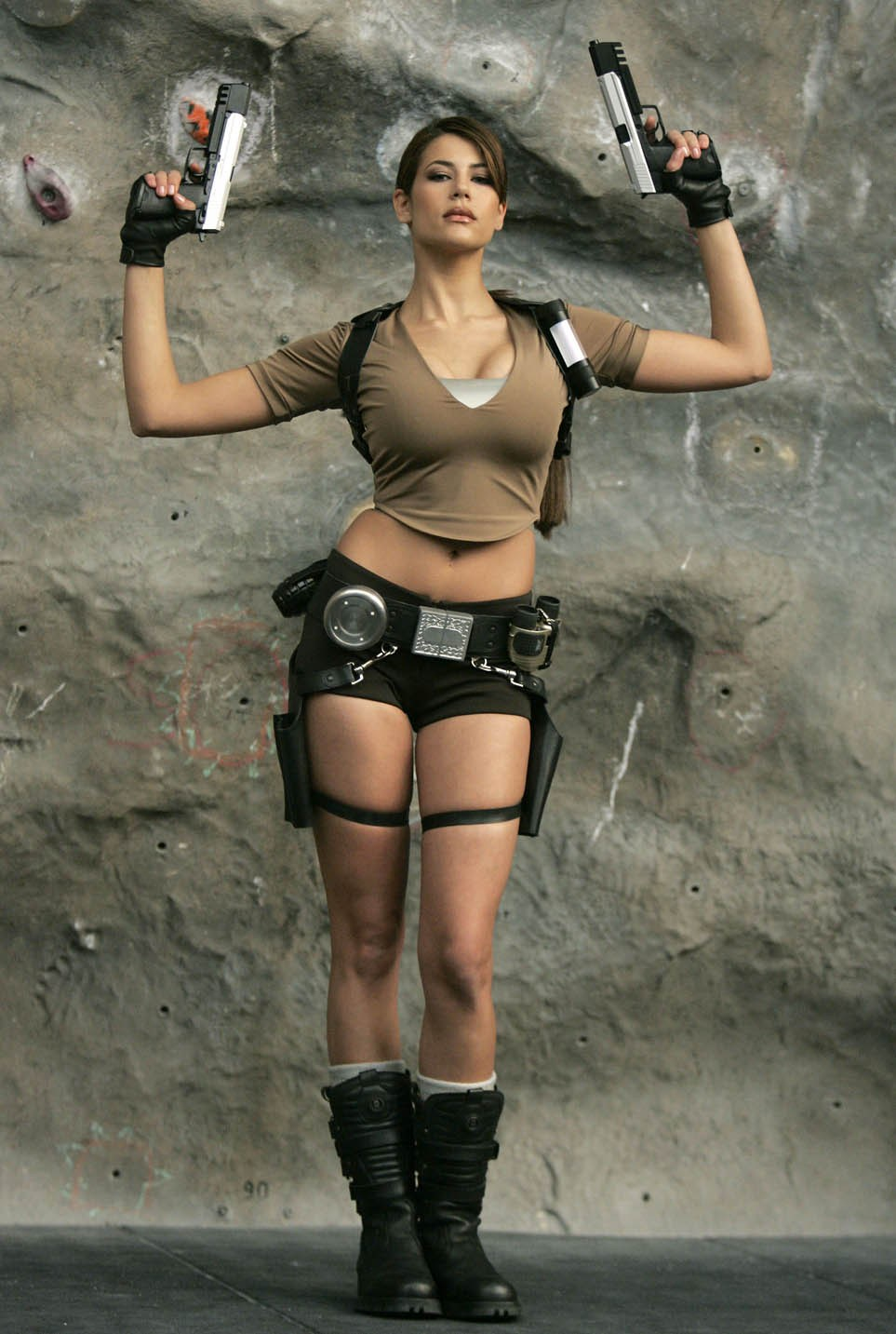 [lara_croft_games_007.jpg]