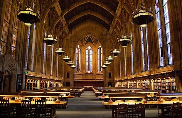 واشهر مكتبة العالم Libraries_009.jpg