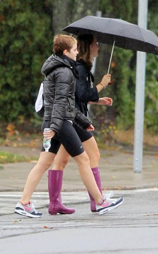 emma watson 2011 gym. Harry Potter star Emma Watson